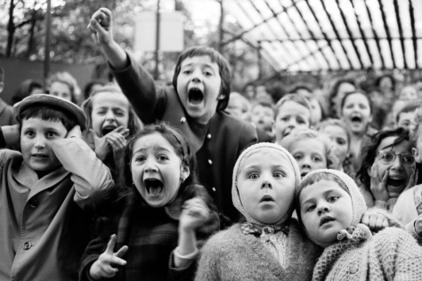 alfred-eisenstaedt-children-at-a-puppet-show